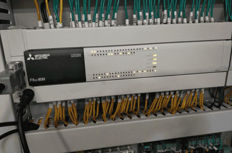 三菱FX3uPLC BATT故障灯亮的2个原因